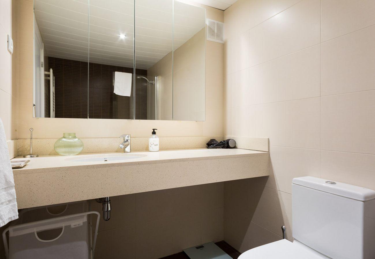 Apartamento en Barcelona - Olala Les Corts Exclusive 3BR Flat w/ terrace