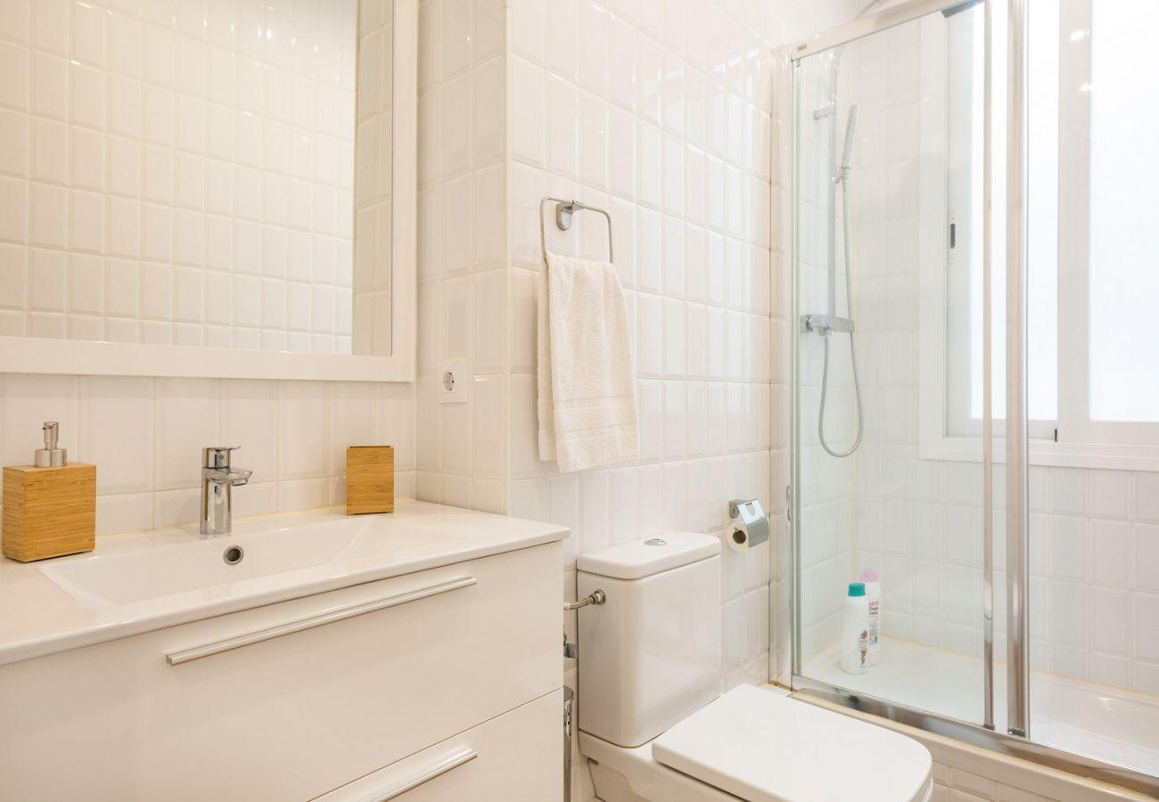 Apartamento en Hospitalet de Llobregat - Olala Design Apartment 2.3 | 10m Pl.España