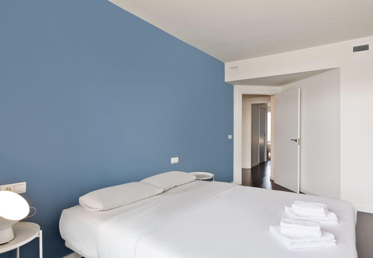 Apartamento en Sant Adria de Besós - Olala Port Forum Ground Floor 3 bedroom with Terrace G1