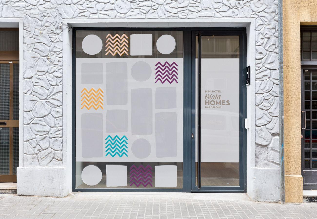 Alquiler por habitaciones en Hospitalet de Llobregat - Olala Mini Hotel 1 | 18 min. Camp Nou