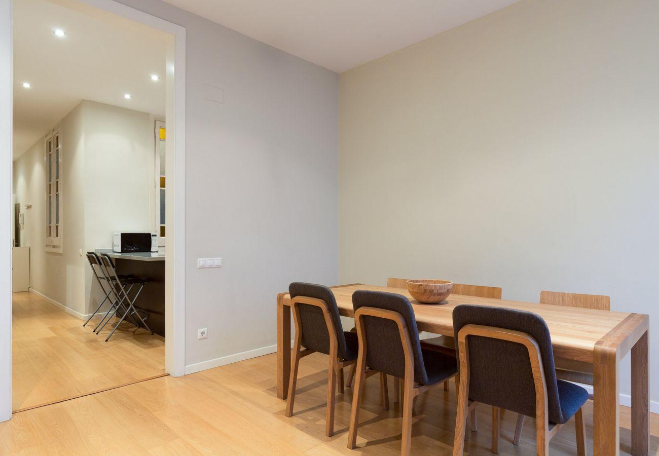 Apartamento en Barcelona - Eixample City Center 2BR Flat | 3 min. Urgell