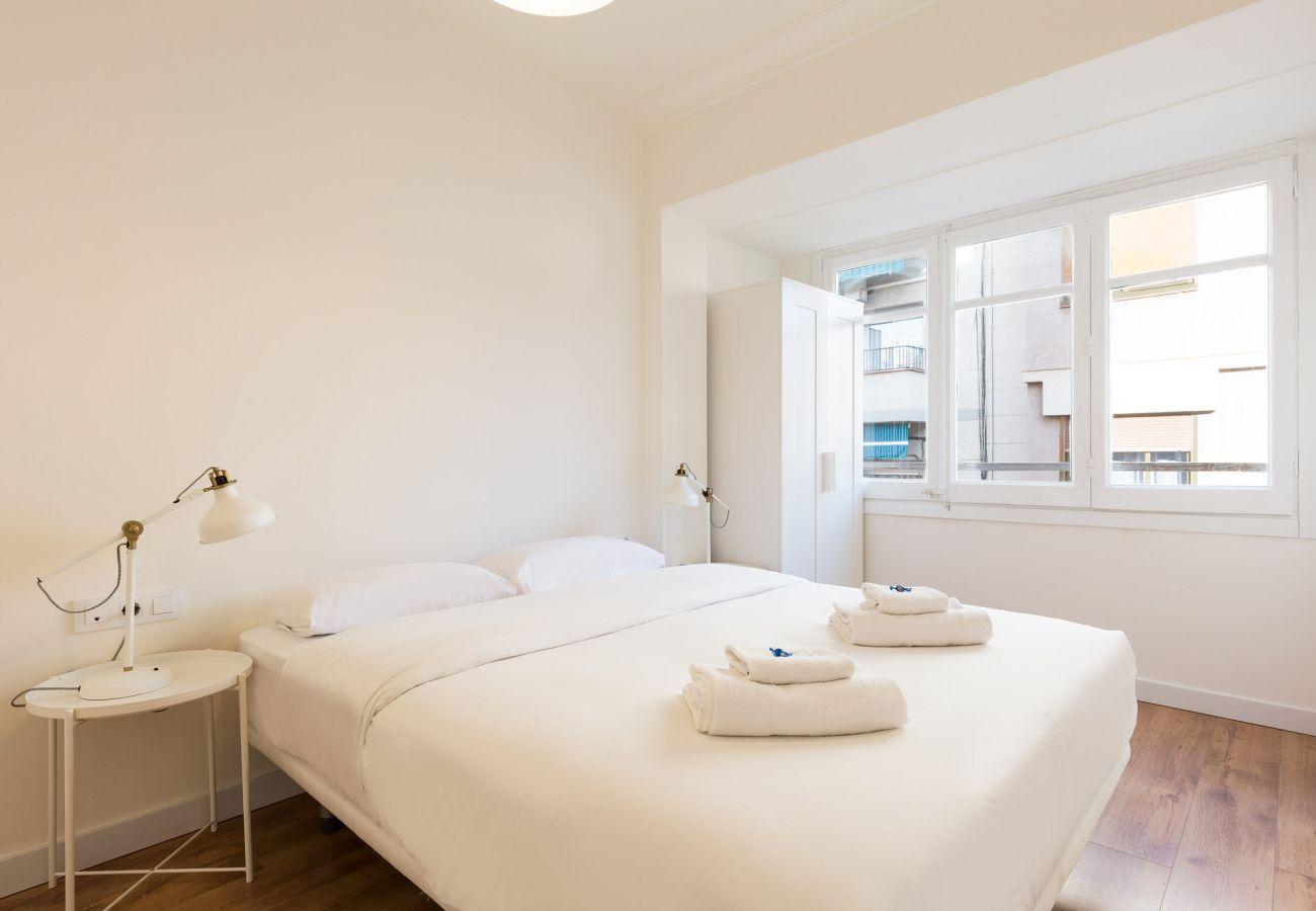 Apartamento en Hospitalet de Llobregat - Olala Santiago Apartment 2.3 | 16 min. Pl. España