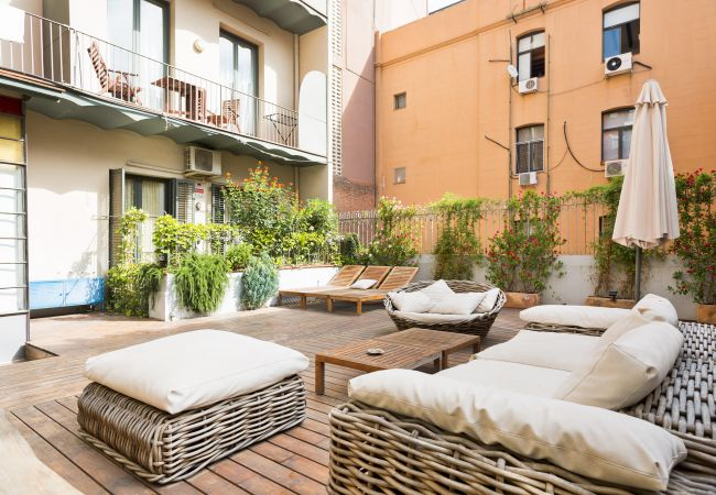 à Barcelona - Eixample Luxury 2BR APT With Private Terrace