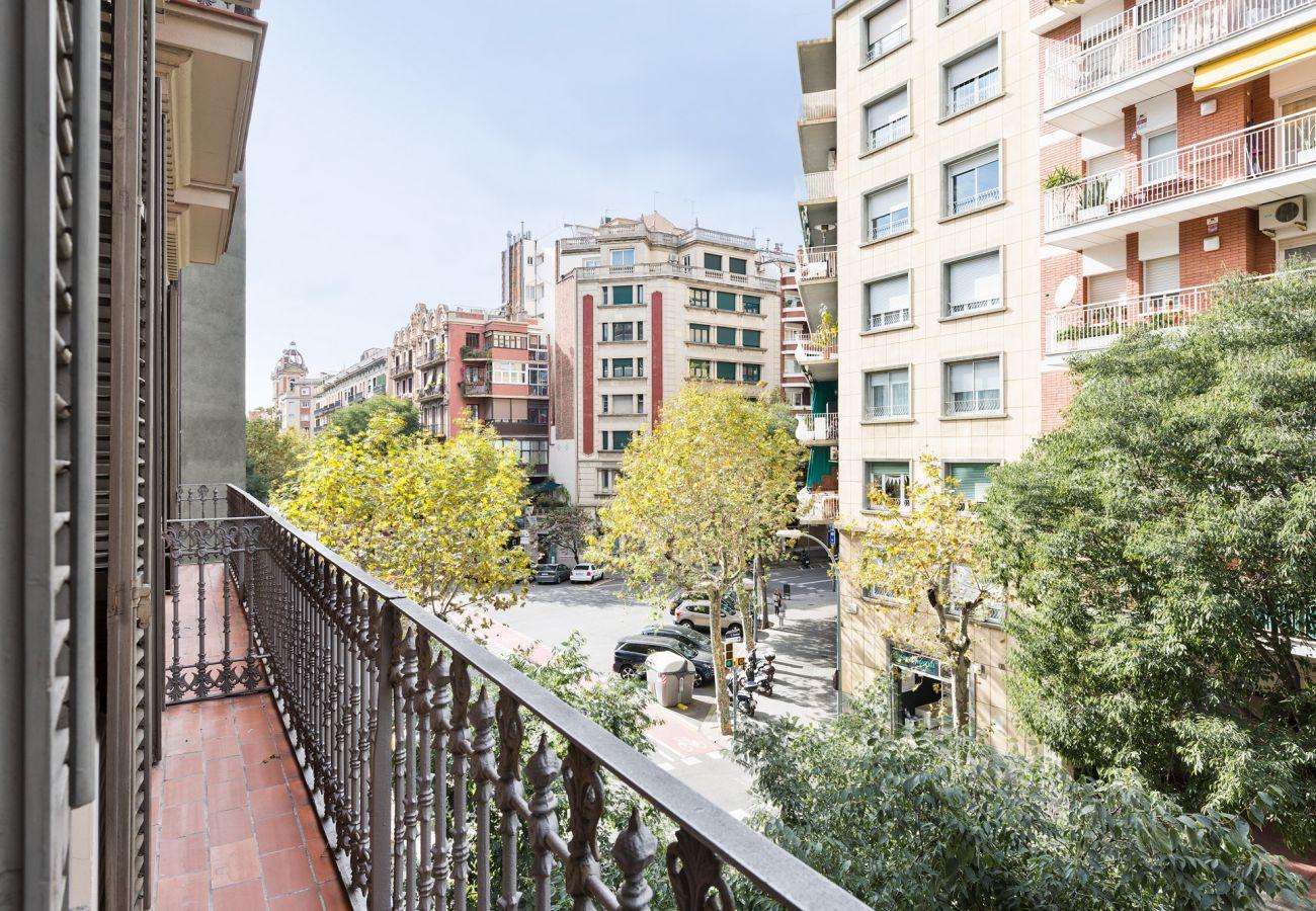 Appartement à Barcelone - Eixample City Center 2BR Flat | 3 min. Urgell