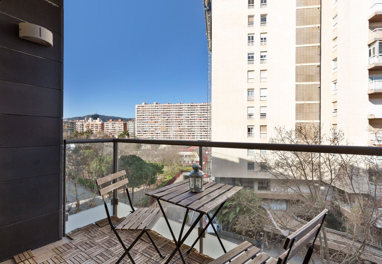 Appartement à Barcelone - Exclusive Les Corts 2BR 4.9 Apartment w/Balcony