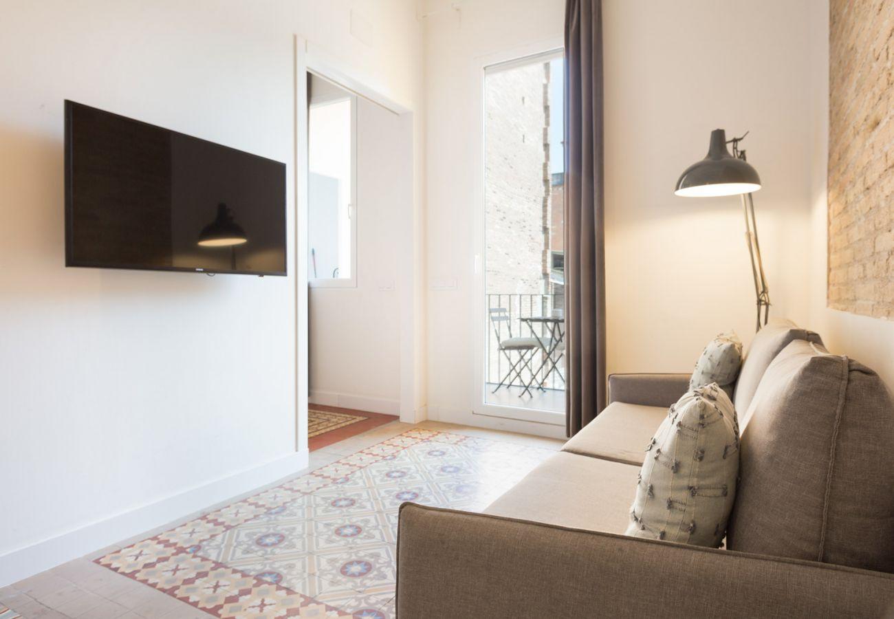 Apartment in Hospitalet de Llobregat - Olala Design Apartment 2.3 | 10m Pl.España