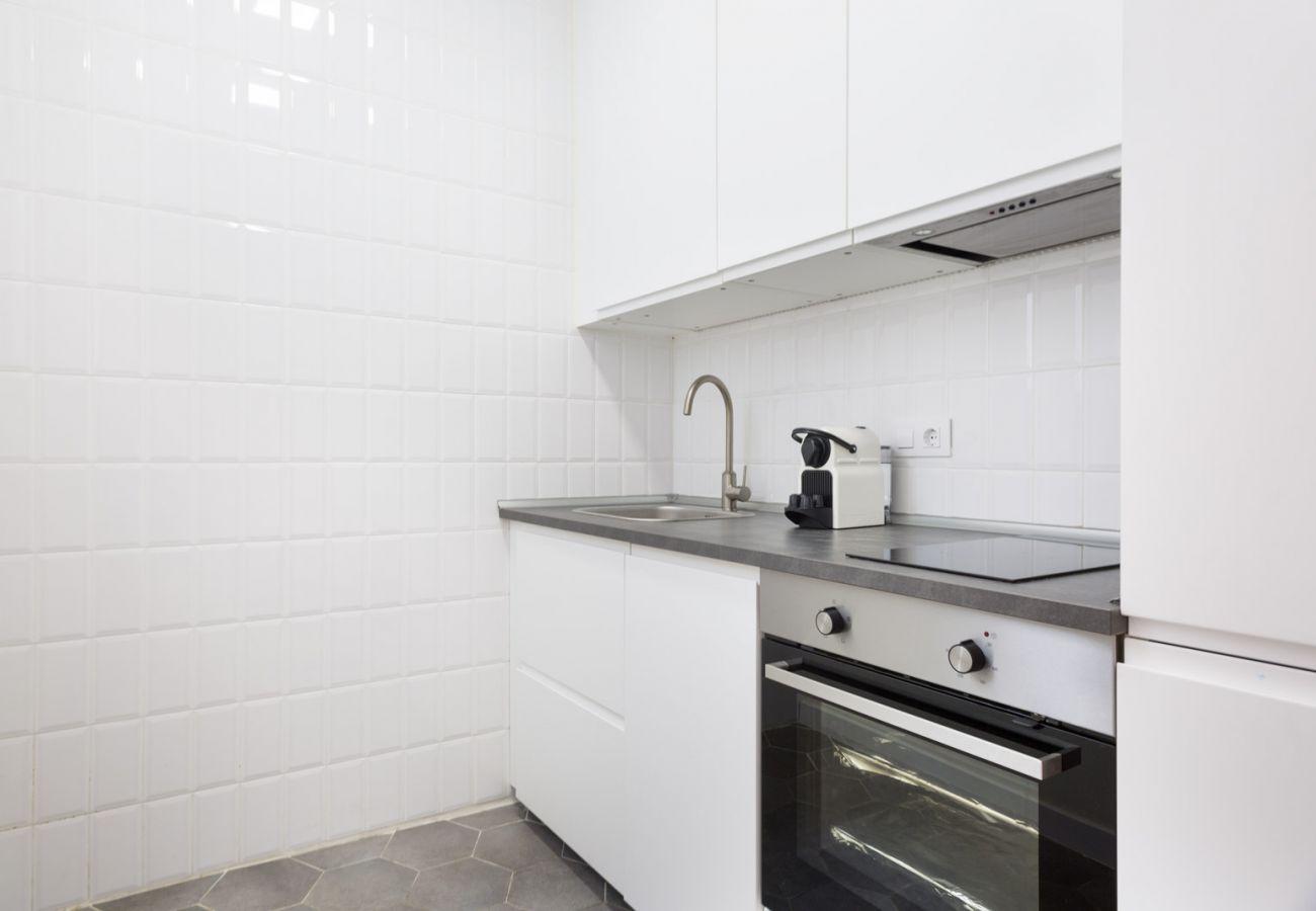 Apartment in Hospitalet de Llobregat - Olala Design Apartment 3.1 | 10m Pl.España