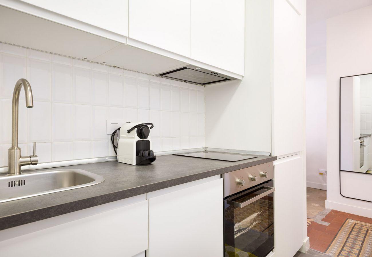 Apartment in Hospitalet de Llobregat - Olala Design Apartment 3.4   10m Pl.España