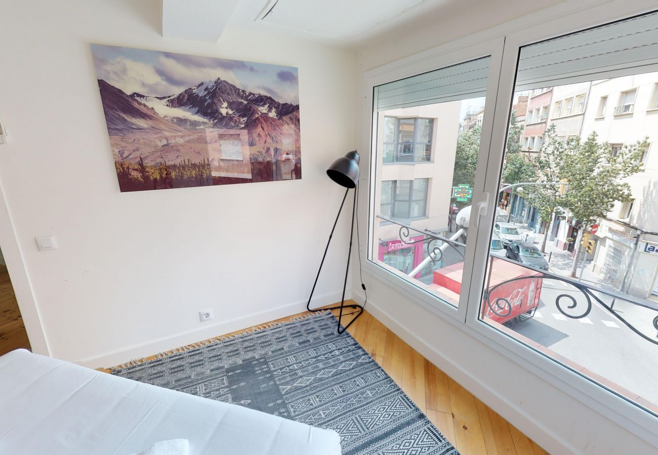 Apartment in Hospitalet de Llobregat - Olala WOW apartment 2.2