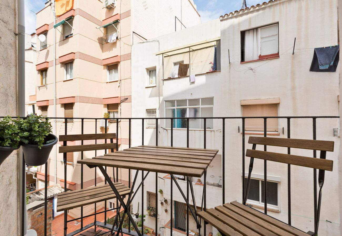 Apartment in Hospitalet de Llobregat - Olala Urban Chill Flat 5.1 I Balcony