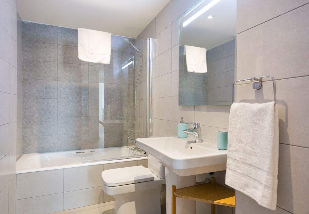 Apartment in Sant Adria de Besós - Olala Port Forum Apartment 4.1