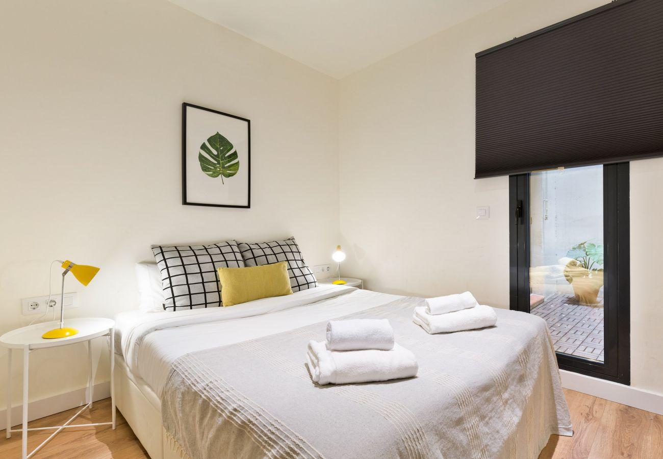 Apartment in Hospitalet de Llobregat - Olala Urban Chill Flat ENT1 I Balcony