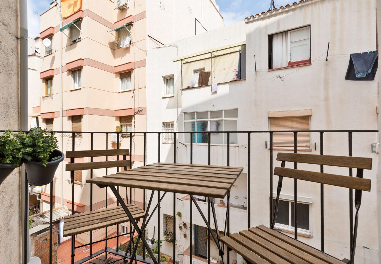 Apartment in Hospitalet de Llobregat - Olala Urban Chill Flat 5.2 I Balcony