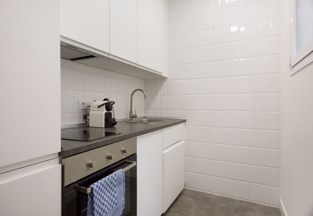 Apartment in Hospitalet de Llobregat - Olala Design Apartment 1.2|Terrace|10m Pl.España