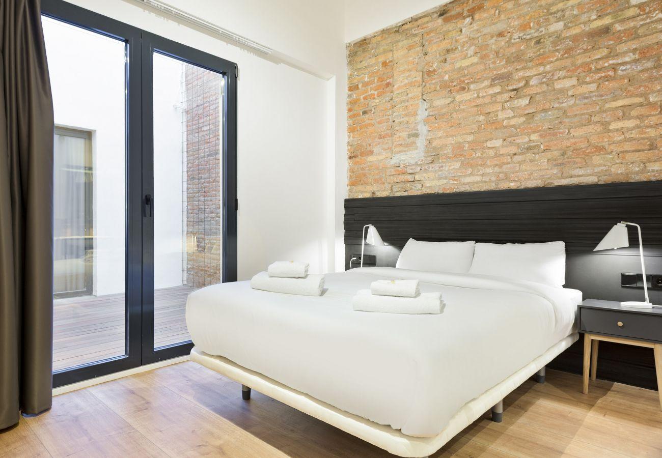 Rent by room in Hospitalet de Llobregat - Olala Mini Hotel 2 | 18 min. Camp Nou
