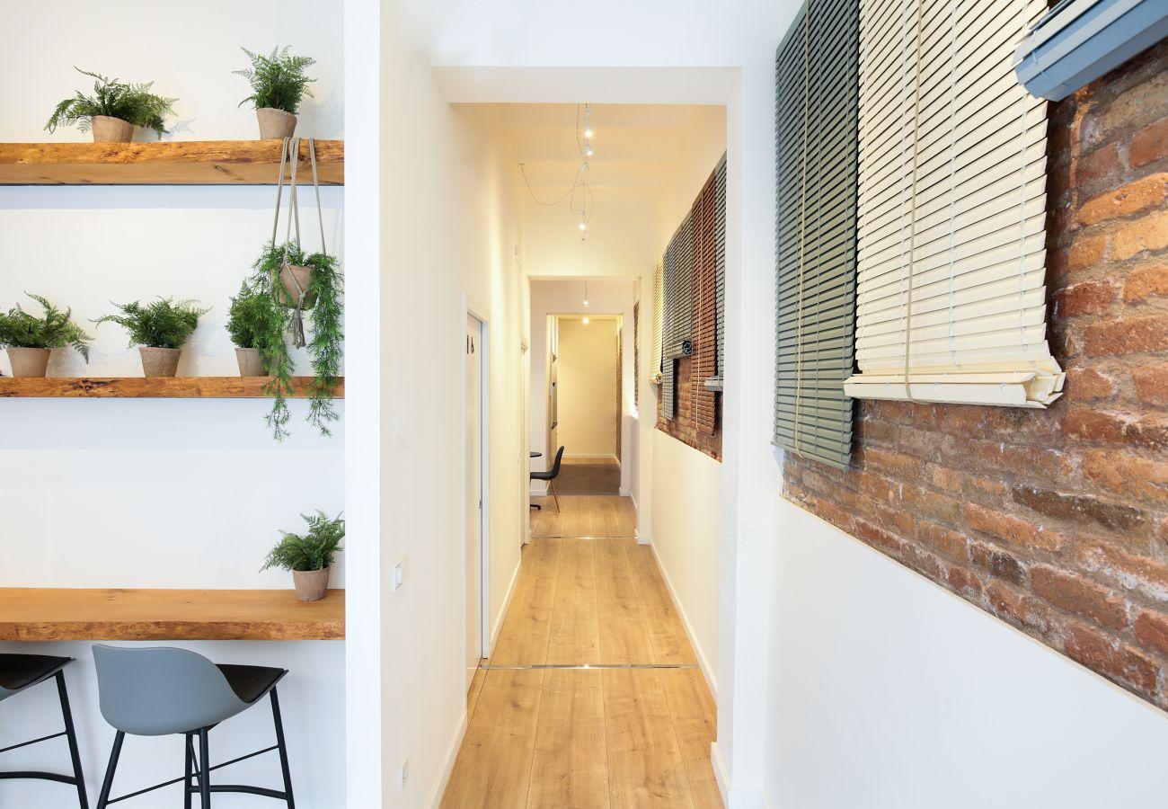 Rent by room in Hospitalet de Llobregat - Olala Mini Hotel 3 | 18 min. Camp Nou