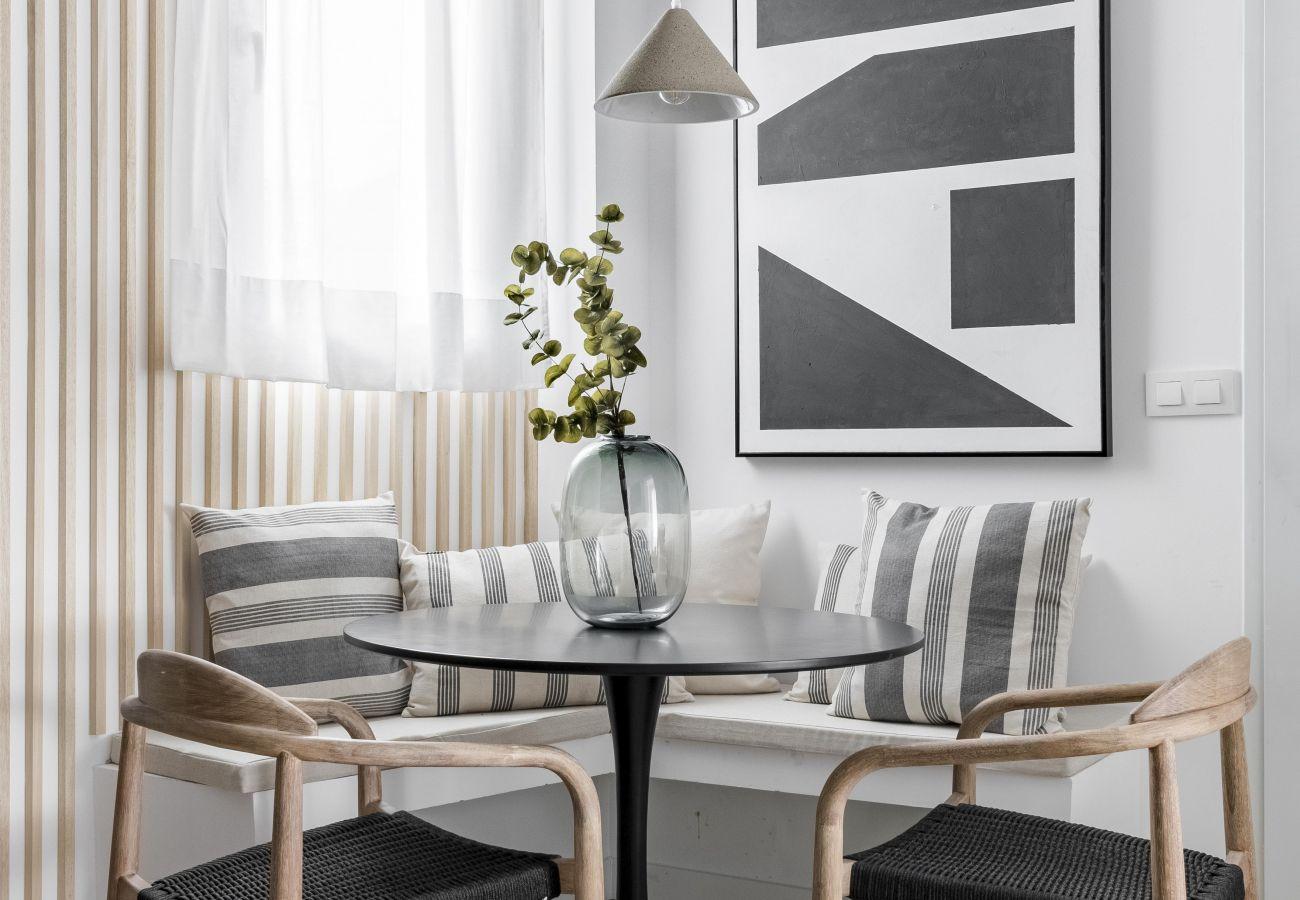 Apartment in Madrid - Olala Maderas Apartment Bajos