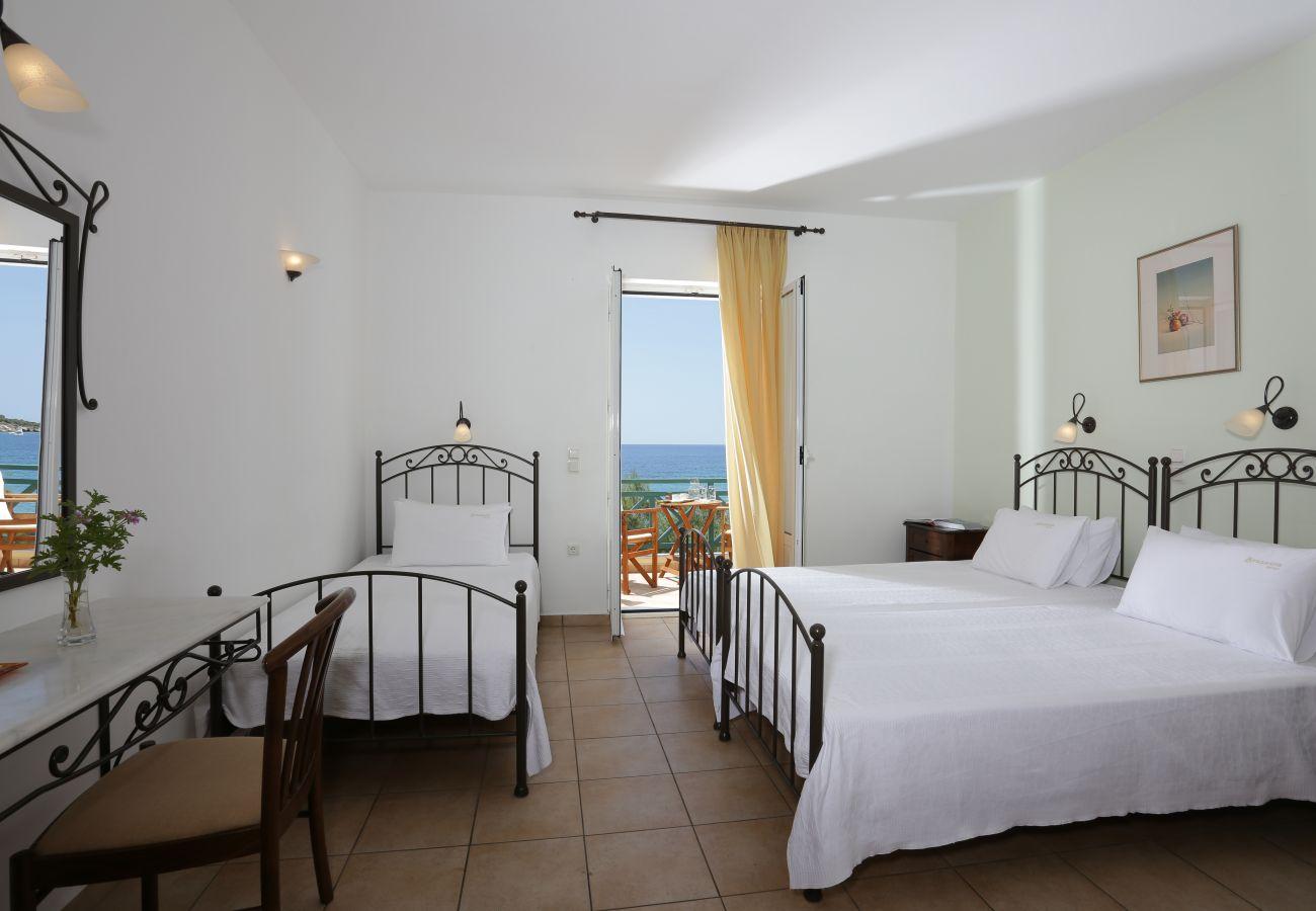 Rent by room in Finikas - Olala Brazzera Hotel - Triple room Sea View