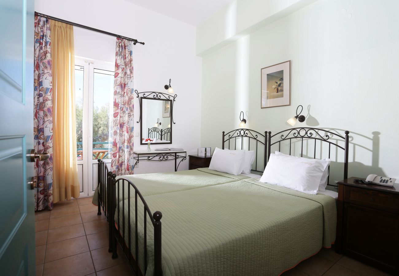 Rent by room in Finikas -  Olala Brazzera Hotel - Connecting Rooms with Sea View